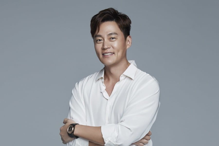lee-seo-jin-rings-in-the-new-year-with-donation-joins-community-chest-of-korea